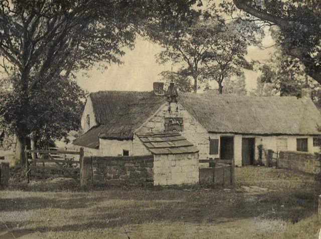 Old photograph of Tam O'Shanter Cottage